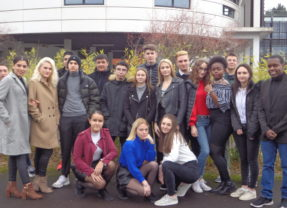 Les élèves du Lycée Baradat vous accueillent !
