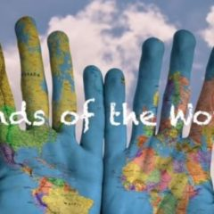 Aurore Coustalat présente le projet «Hands of the World»